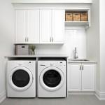 Thiết kế nội thất phòng giặt tông màu trắng